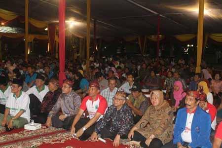 Neng Risma Rangkul Arek-Arek Suroboyo Benahi Kota