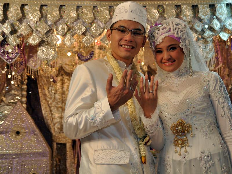 Benarkah Perceraian Marshanda Dan Ben Kasyafani Karena LDII