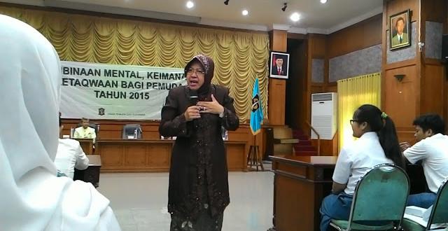 Jelang MEA, Wali kota Risma Beri Motivasi Para Pelajar dan Pemuda Surabaya