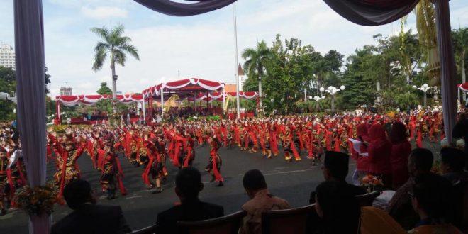 724 Penari Cilik Ramaikan HUT Surabaya