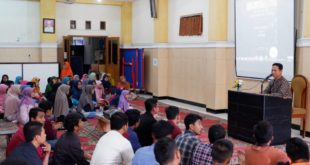 BNN Sosialisasikan Bahaya Narkoba kepada Para Santri Mahasiswa Surabaya